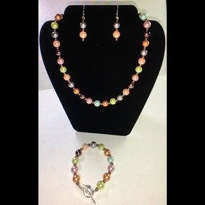 Jewelry, Necklace, bracelet and earrings.